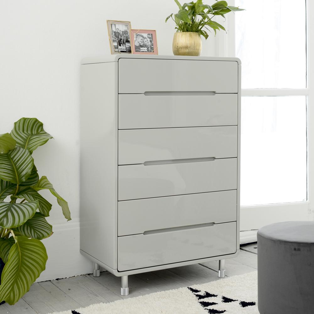 Notch II tall chest of drawers light grey