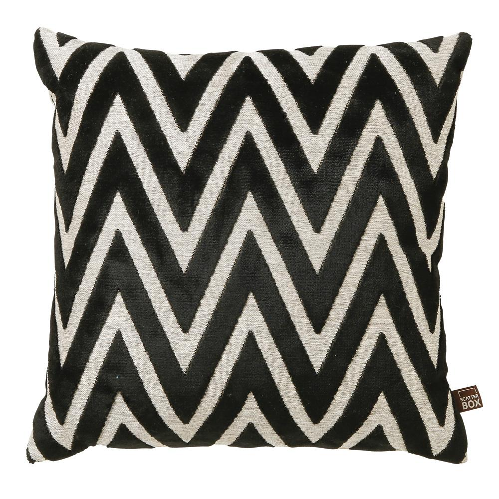 Geometrico black velvet cushion
