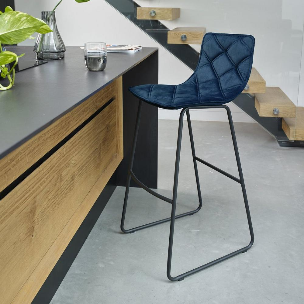 Portela bar stool in blue velvet